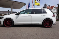 VW-Golf-weiss-Japan-Racing-1