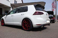 VW-Golf-weiss-Japan-Racing-2