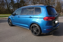 VW-Touran-blau-Carmani-13-1